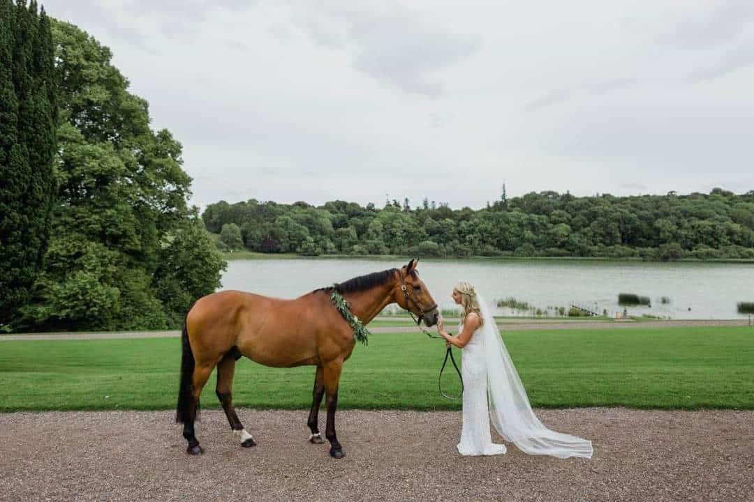6 ways to include your horse in your wedding